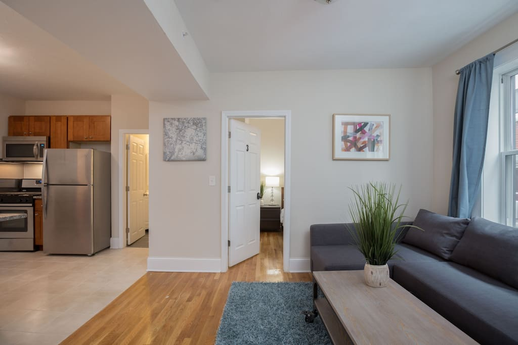 Our apartment, clean and spacious, is 3 bedrooms with queen-sized beds and large living room space. It is perfectly located in North End, surrounded by famous restaurants and bars.