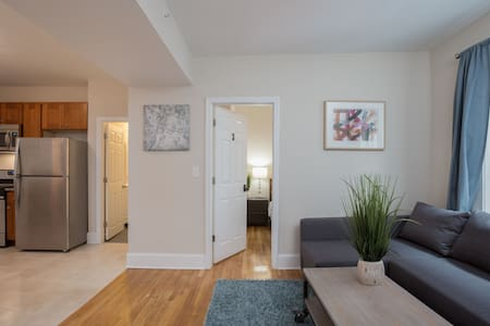 Large 3 BR in Heart of North End - ボストン