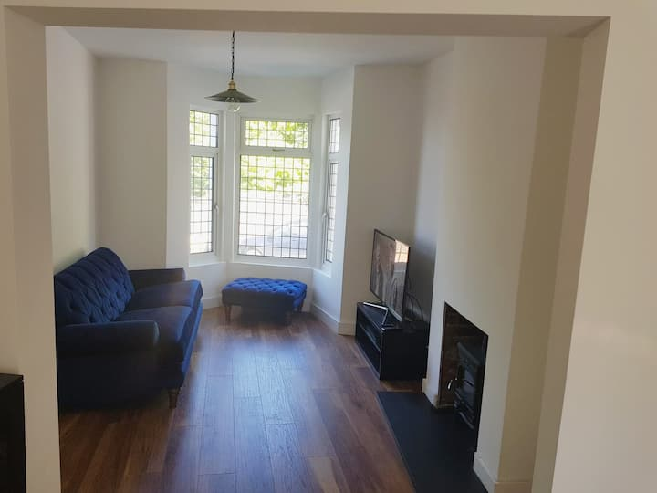 Boutique House with Sky Q TV - Single Room