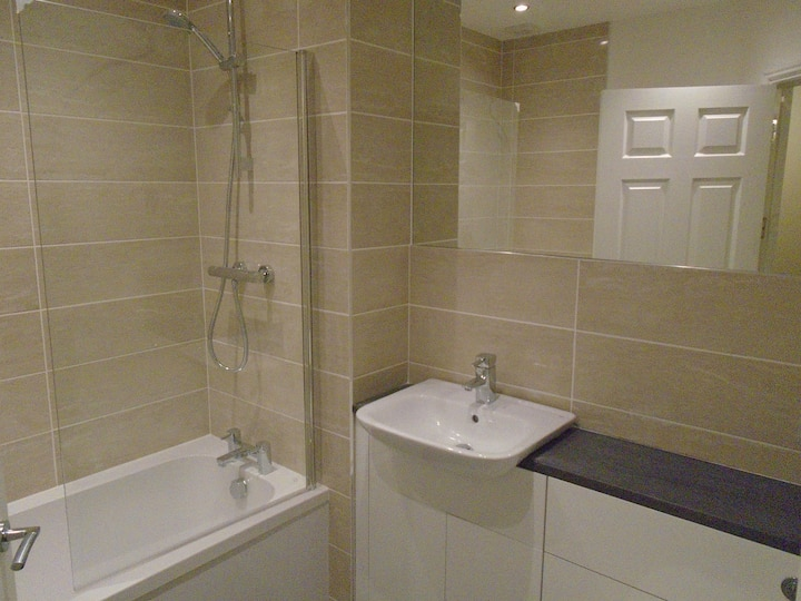 2 bed apartment fully refurbished to high standard
