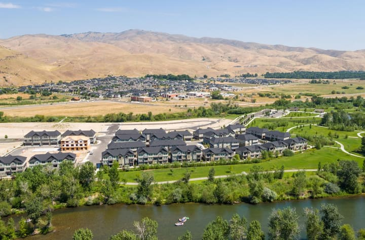 Luxe Living in East Boise!