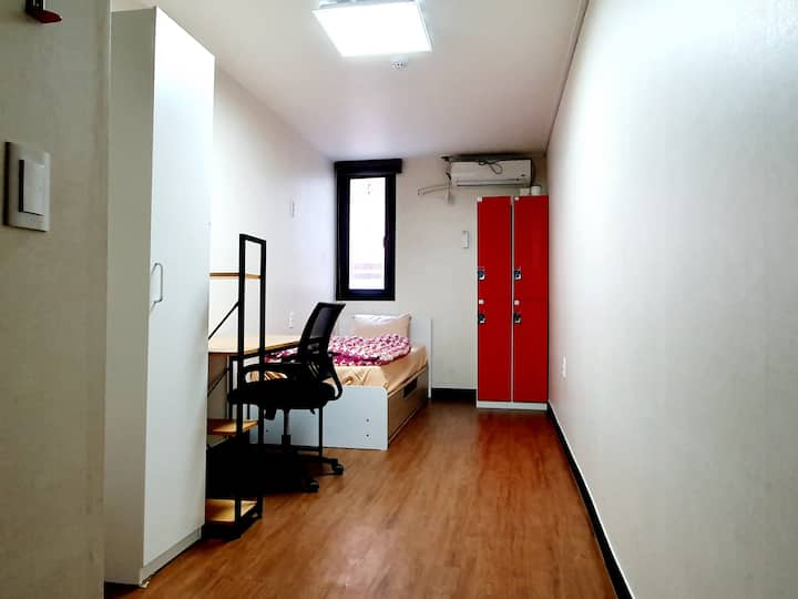Single Private Room in central Busan Seomyeon #203
