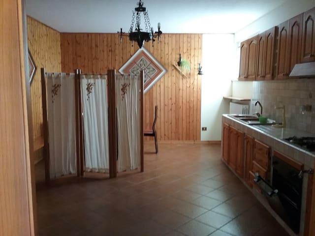 monolocale prima periferia piano terra senza scale - Pesaro - Apartment