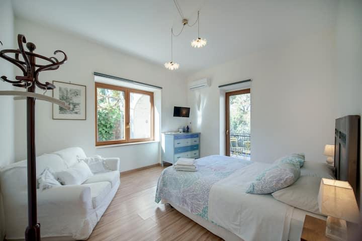 Villa la Quercia - indigo room