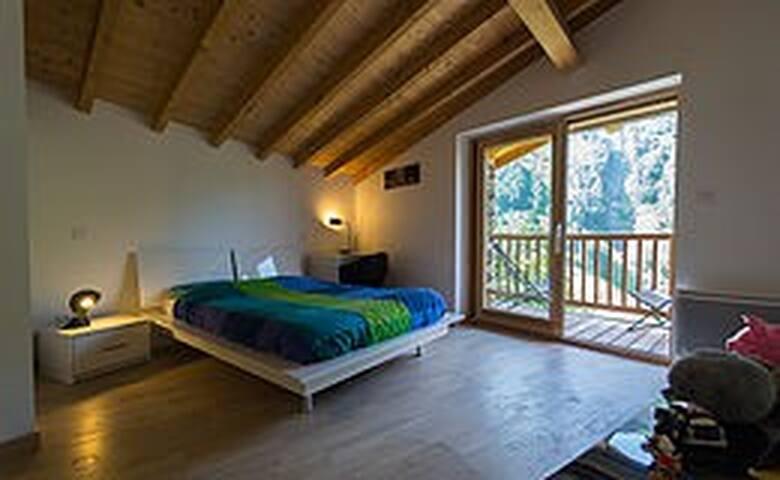 Chambre Léo avec un seul lit double en 160/200