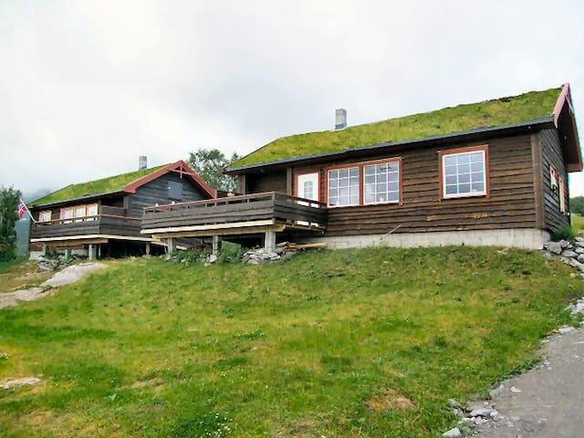 Astrids Oase 2 - Hamnvik - Cabana