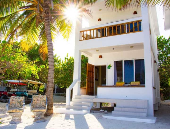 2nd Floor Beachfront Casita with Private Balcony!
