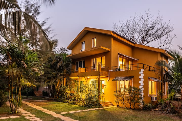 Casa Abuela (C-14), 6 mins walk from Varca Beach