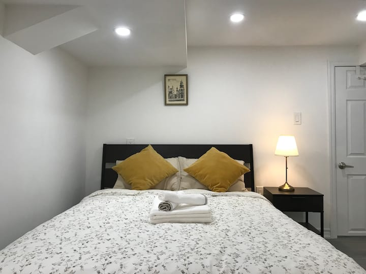 Homey Room🌟Clean,Free Parking/3' to Subway-Shops