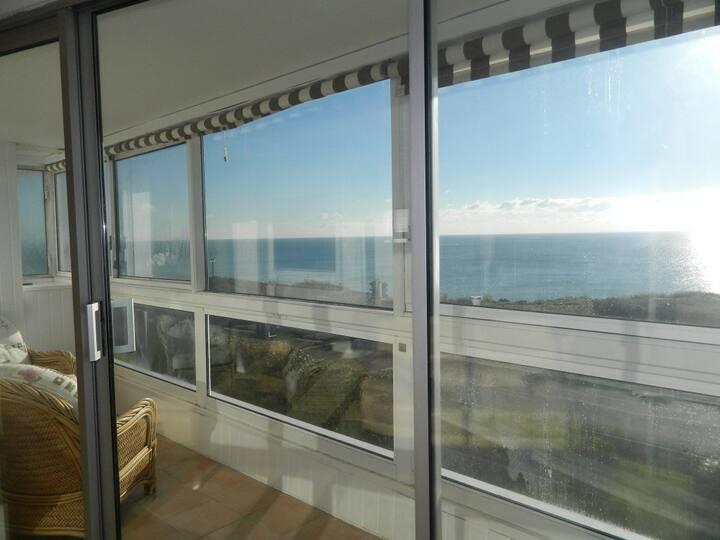 BOURNECOAST: Flat with panoramic SEA VIEWS - FM791