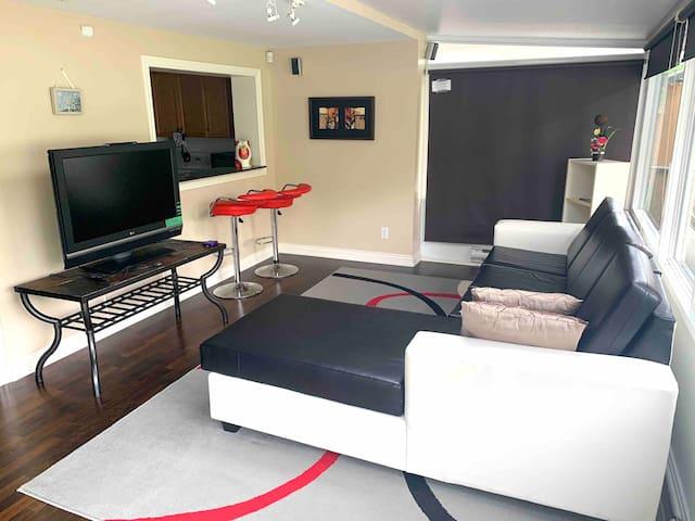 Separate Entrance Apartment/basement