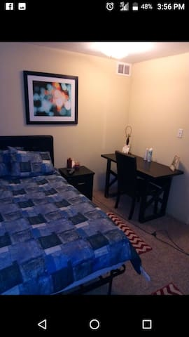 #C Quiet/Quaint furnished room for rent/wifi/cable