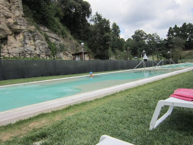 Appartamento con terrazza nel verde - Castelnuovo di Val di Cecina - Appartement
