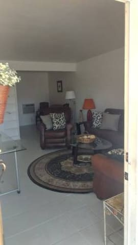FURNISHED 1 BEDROOM CATHEDRAL CITY