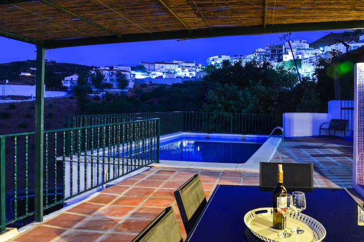 authentiek Andalusisch dorpshuis met privé-zwembad