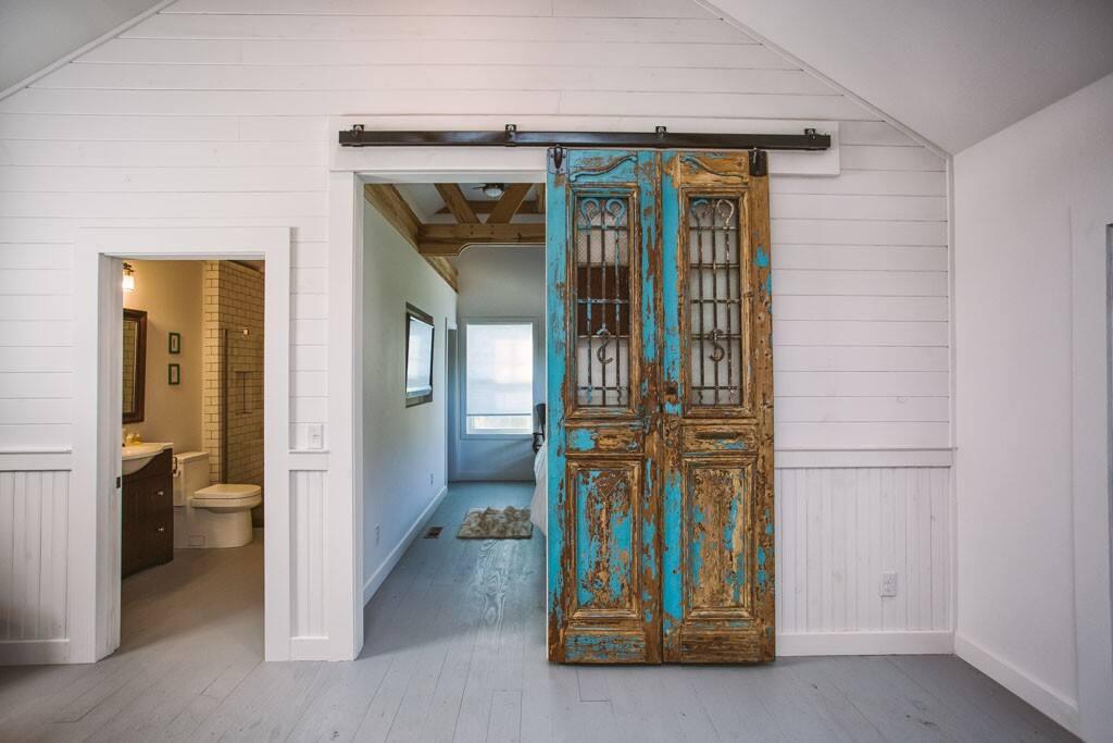 Sliding Egyptian door to the bedroom