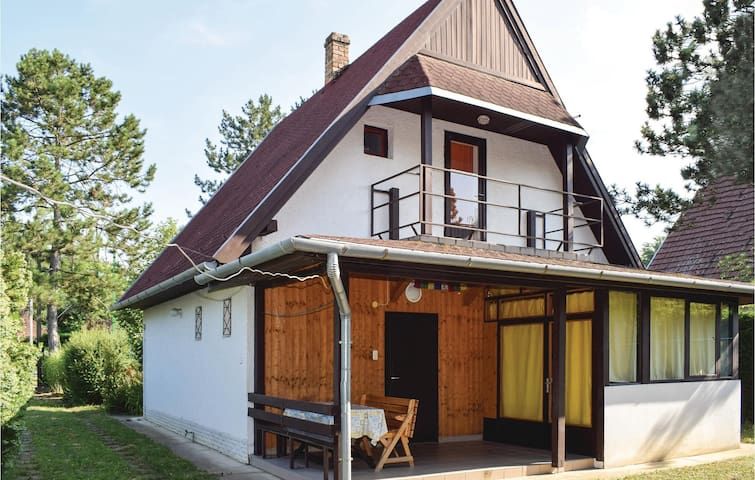 Holiday cottage with 4 bedrooms on 80m² in Balatonszemes