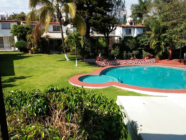 SUN, POOL, RELAX, SECURITY - Cuernavaca - House
