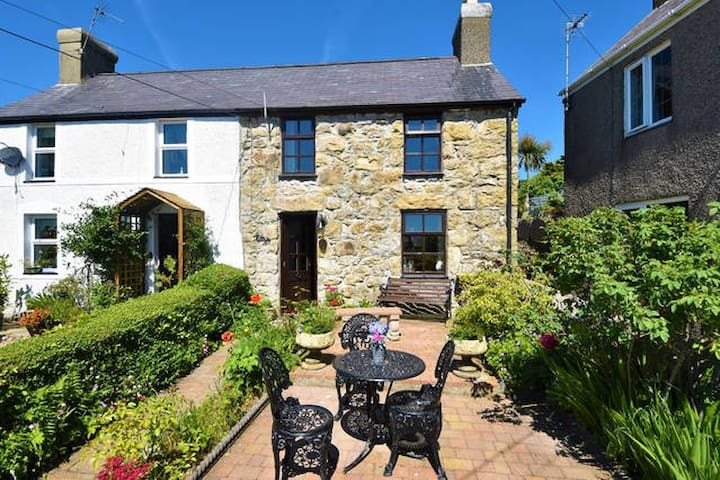Isfryn Cottage near Abersoch, North Wales