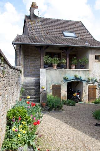 Gîte familial dans le clunisois - Saint-Gengoux-le-National - Ev