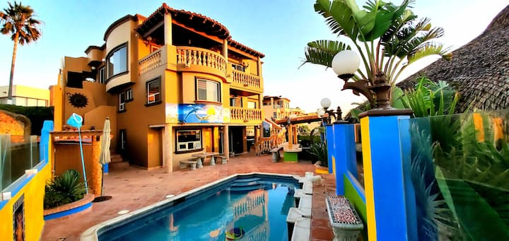 Beautiful beachfront 5 bedrooms home pool and spa