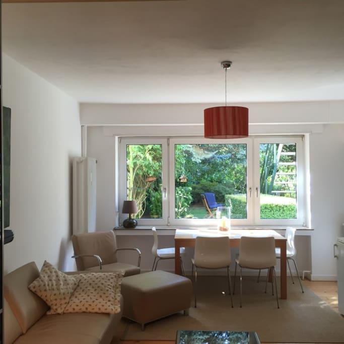 Wohnraum mit Gartenblick 2