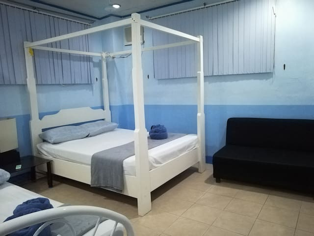 Malapascua House for rent  withfree wifi 4-6guests