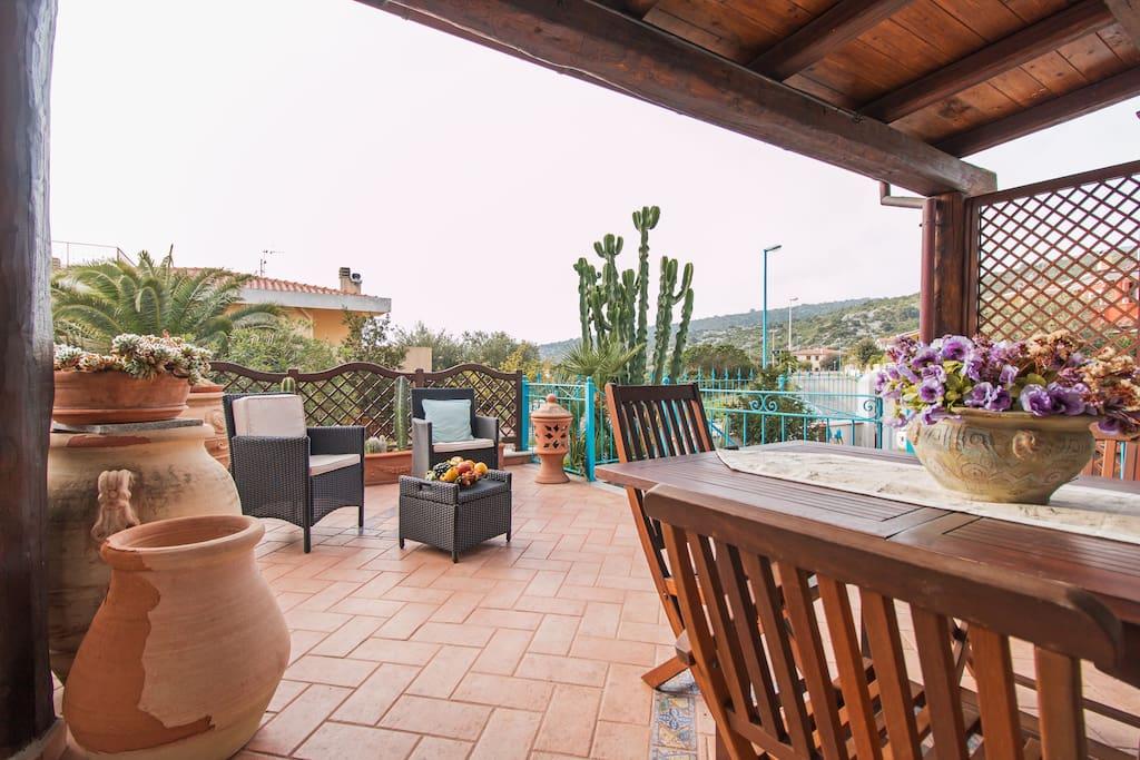 Splendida casa su 3 piani con giardin 261 apartments for for Piani di casa con guest house annessa