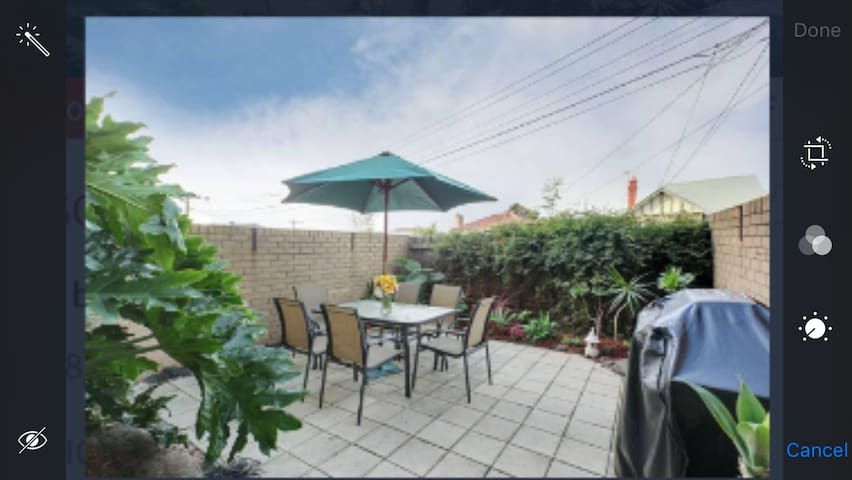 Winning Location - 4 mins walk to Showgrounds! - Ascot Vale