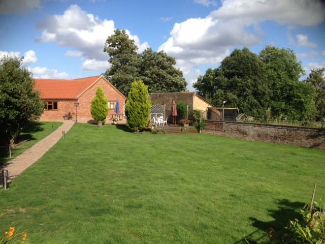 The Annex with fantastic views over the downs - Seend - Hospedaria