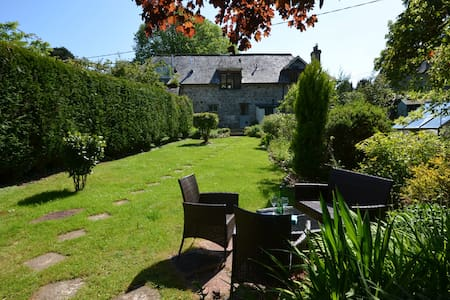 Rural Cottage, Nr Camel Trail & Bodmin Moor