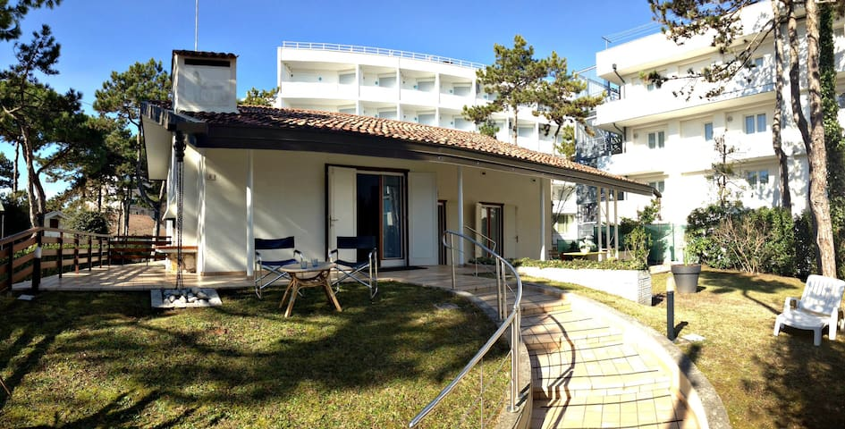 Villa Chiocciola - spacious villa close to centre - Lignano Sabbiadoro - Hus