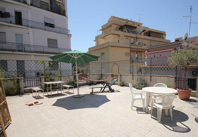 Cosy apartment and terrace in Pigneto area