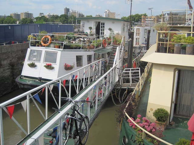 Charming flat on houseboat in zone1 - Londres - Bateau