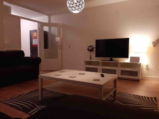 Apartment next to ZiggoDome/Arena/center(12min)