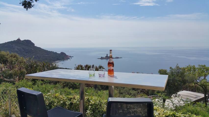 Vue panoramique sur la mer