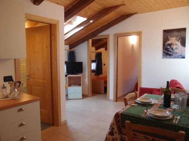 Lovely Apartment in the old City Casalattico ITALY - Casalattico - Huoneisto