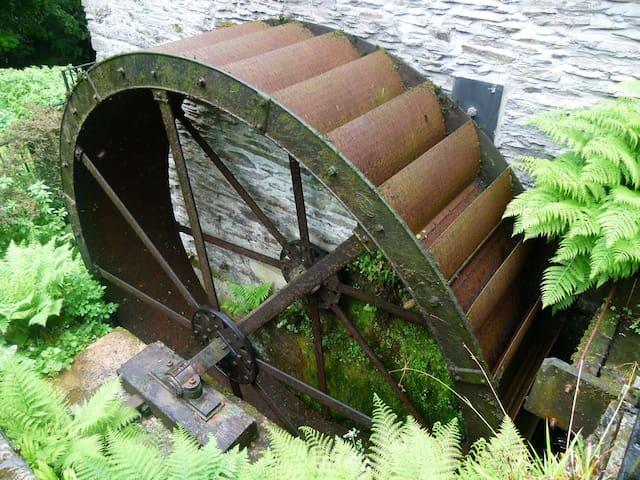 Watermill, Granary and Millpond Caravan