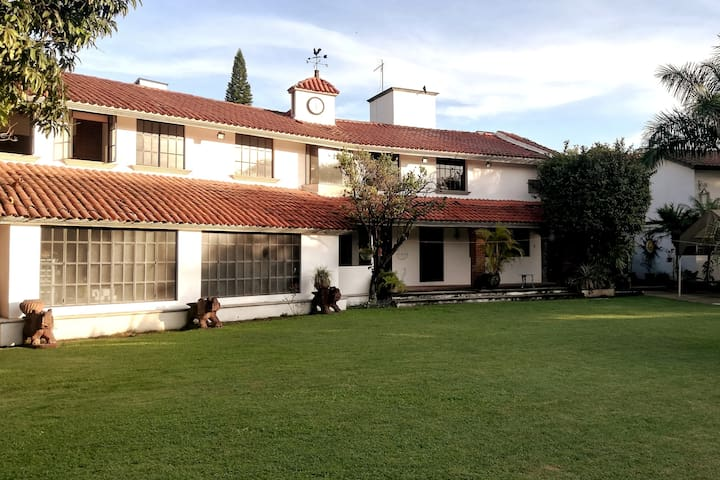 ⭐ Residencia y casa de fin semana para 18 personas