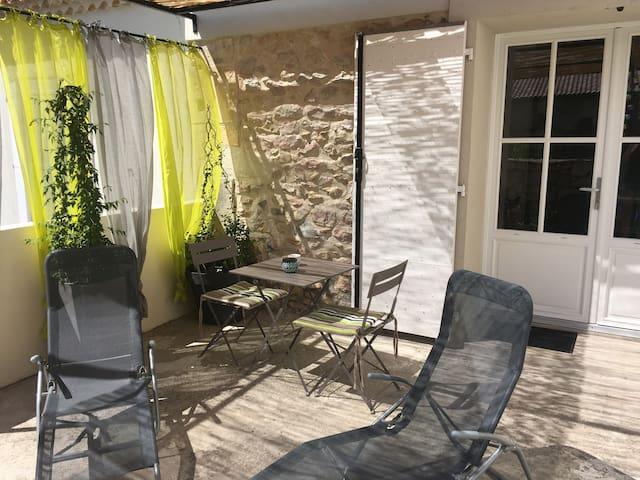 Studio proche d'Avignon - Boulbon - Lejlighed