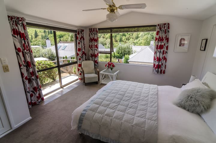 Gorgeous views, master bedroom with ensuite.