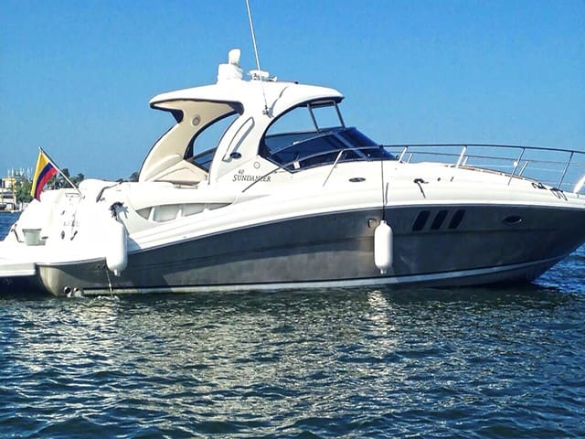 40ft SeaRay Cruiser - Rent Your Own Boat for a Day - Cartagena - Boat