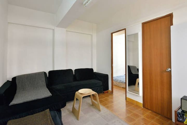 Double Bedroom with private rooftop in Sheung Wan - Hong Kong - Apartment