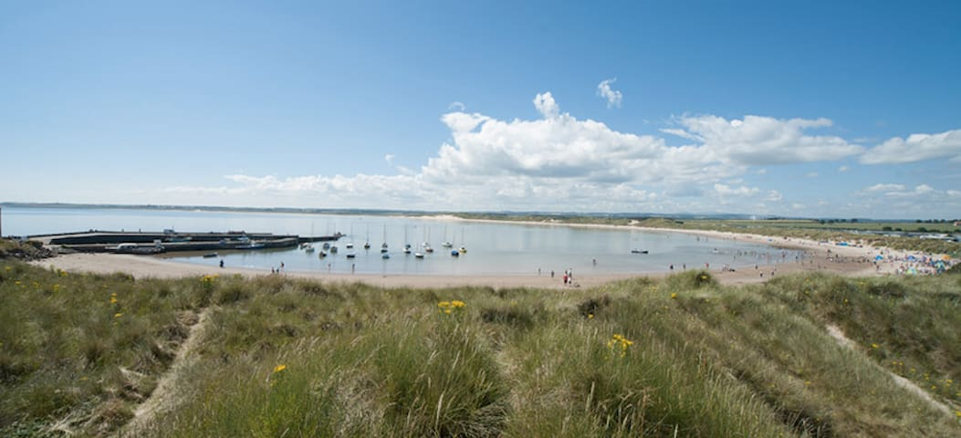 Homely Seaside Cottage - Beadnell - House