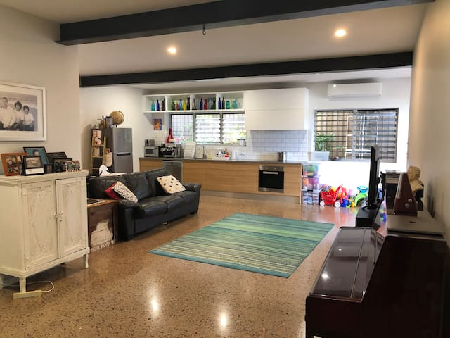 Malibu Apartment- Peregian Beach