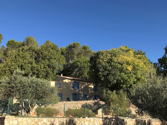 Genuine Provencal Bastide with pool&40.000m2 park
