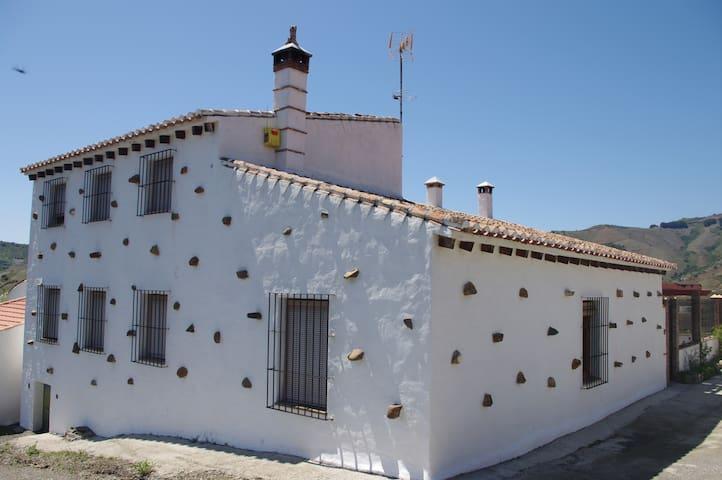 La casa de las piedras - Almáchar - Casa