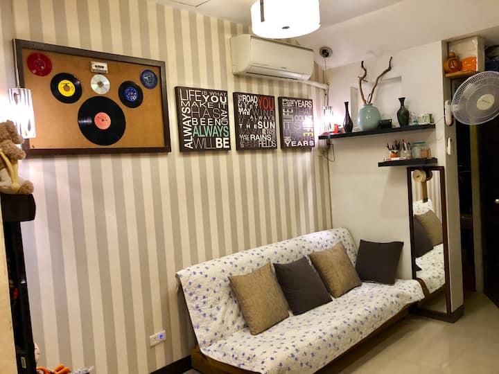 Furnished Big Studio Condo-3 w/Wifi