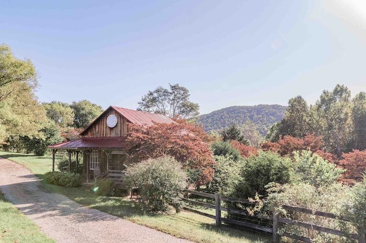 Catrock Cabin at Open Heart Inn