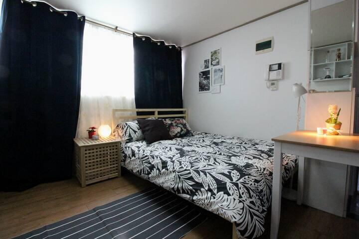 신규오픈! 전망좋은 아늑한방! 까치산역 4번출구 도보4분!Shiny cozy room!